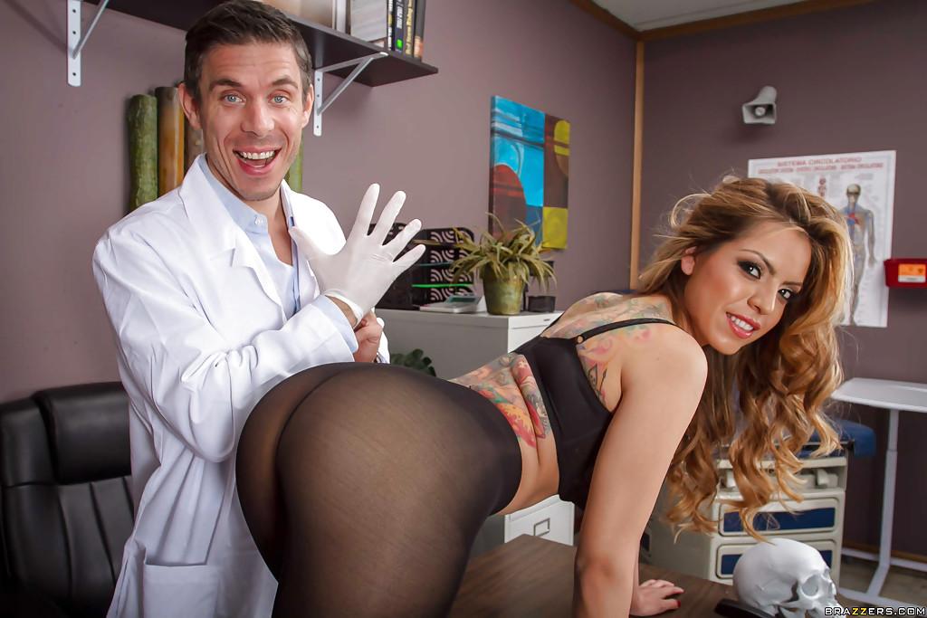 Смотреть медсестра онлайн