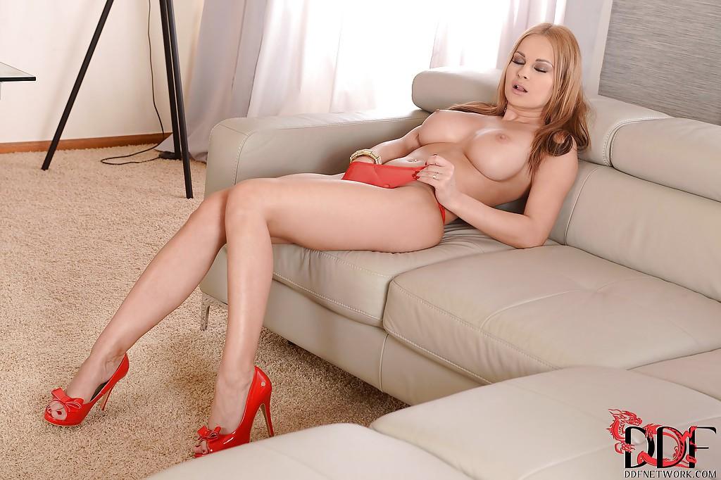 Смотреть Порно актриса Abbie онлайн