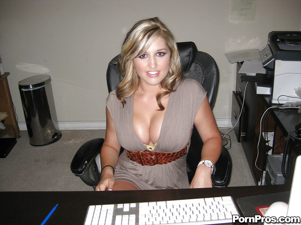 Смотреть помошница онлайн
