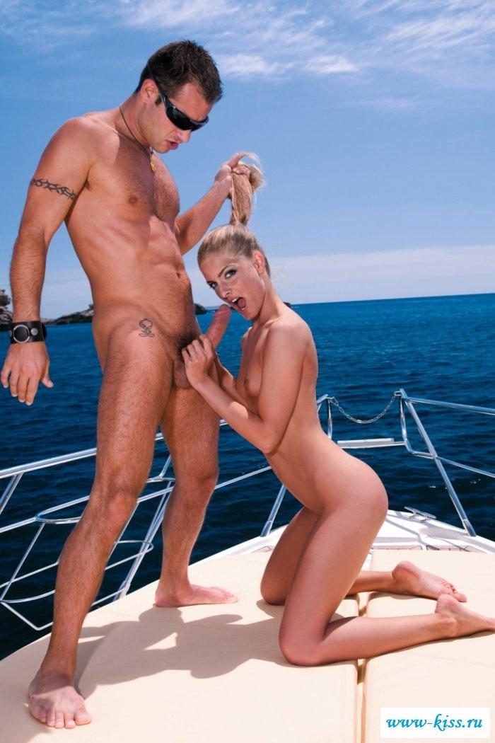 Смотреть лодка онлайн