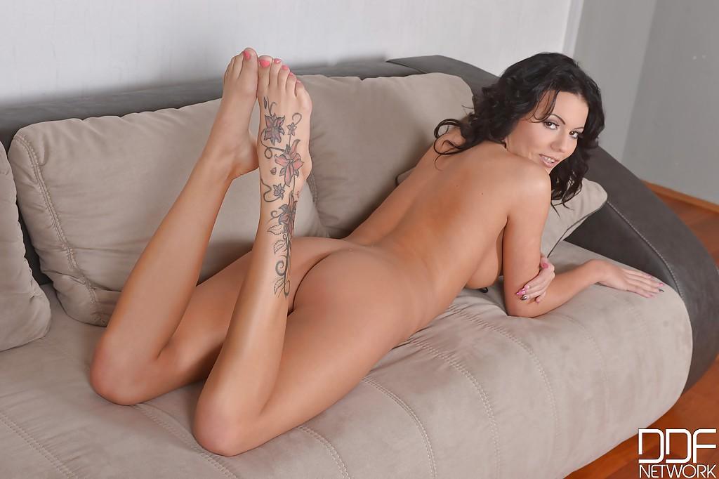 Смотреть Vanessa онлайн