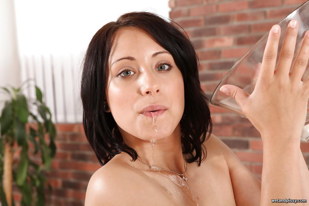 Смотреть поливать онлайн