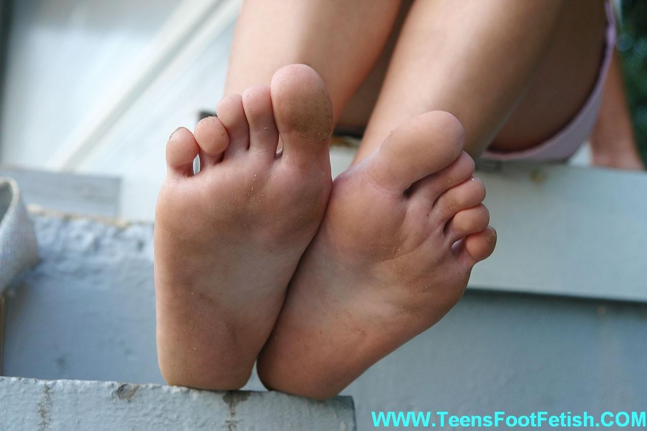 Смотреть нога онлайн